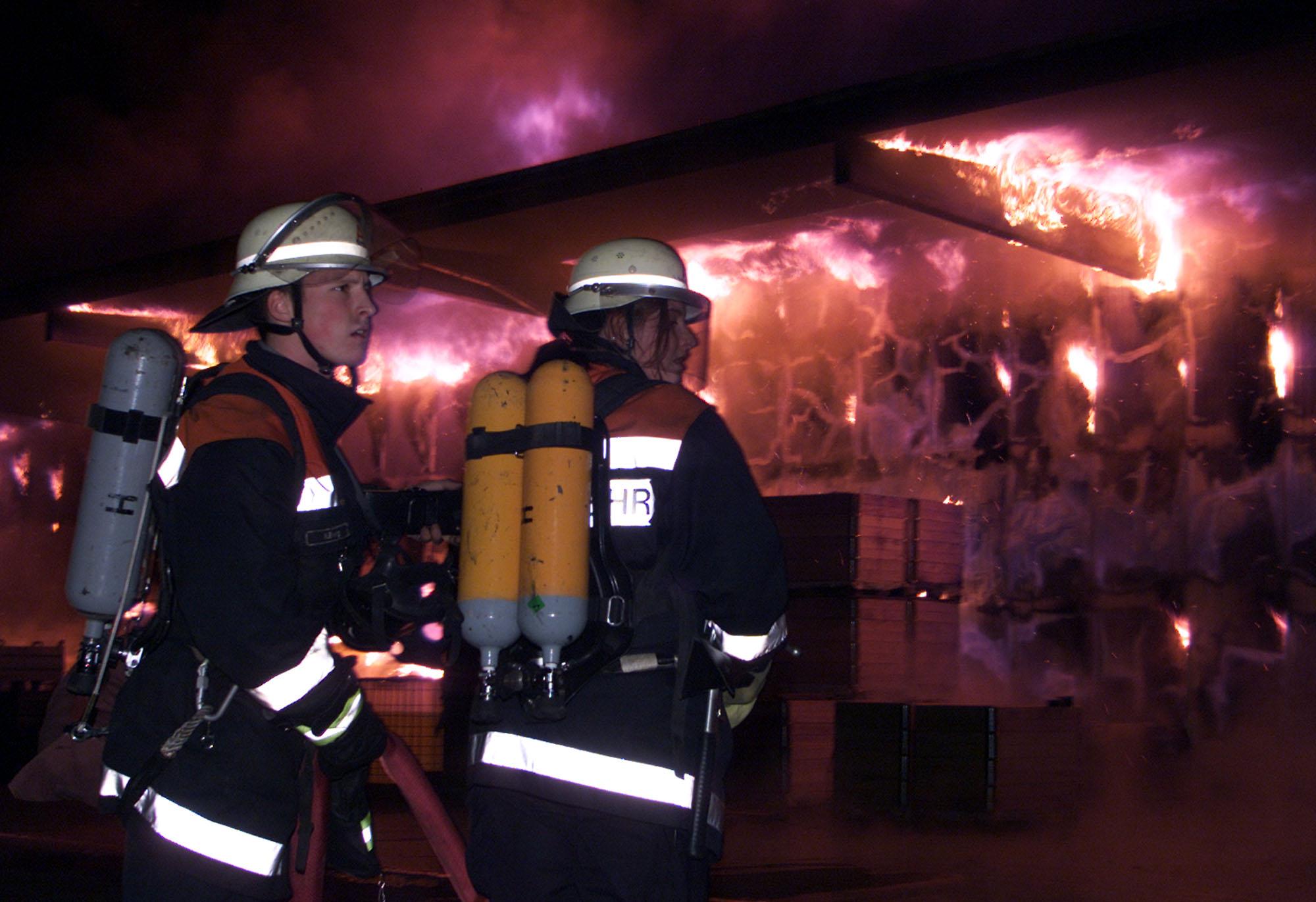 Großbrand in der Heidenauer Galvanik-Fabrik